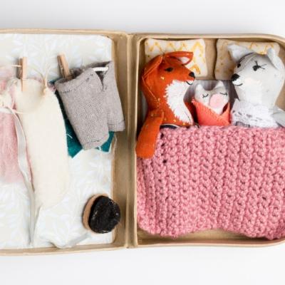 Liščia rodinka v kufríku