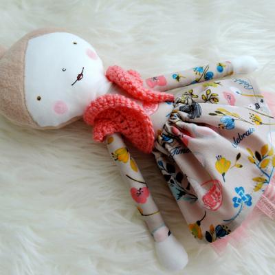 Látková bábika - pozvánka na čaj