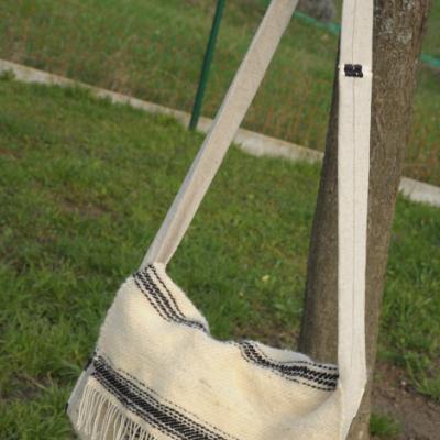 Ručne tkaná vlnená kapsa