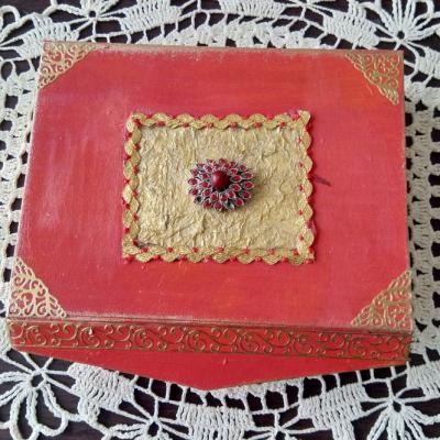 Krabička-šperkovnica