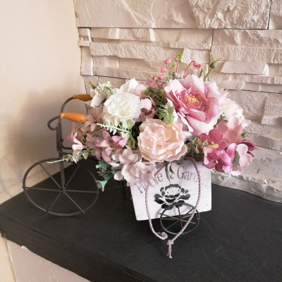 Vintage bicykel ružovo ivory