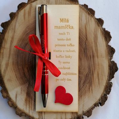 Deň matiek _tabuľka s gravírovaným perom
