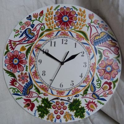 hodiny s Vajnorským ornamentom - ružové