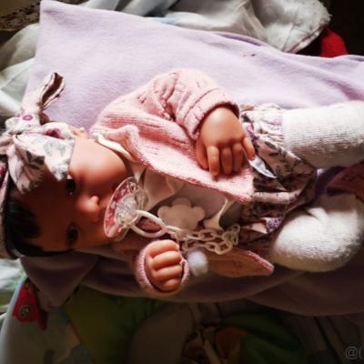 bábika nová