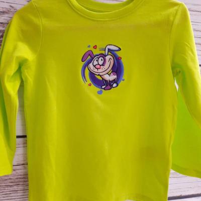 Vyšívané pískacie trička