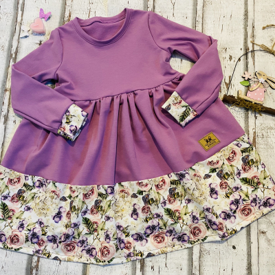 Princeznovské volánové šaty