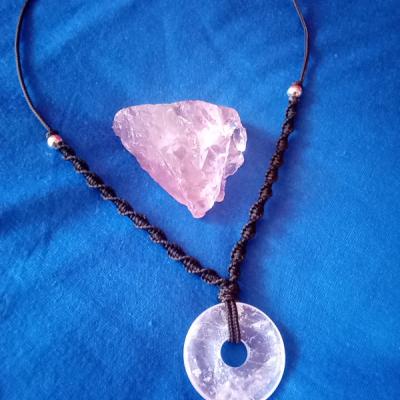 Krištáľový donat náhrdelník
