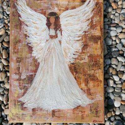 Anjel strážny s popraskanymi krídlami