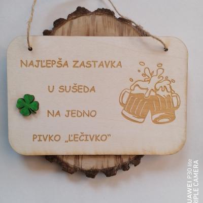 Drevená tabuľka pre pivarov