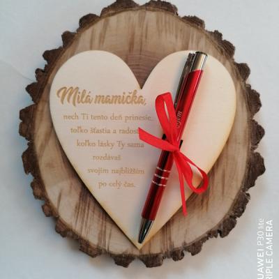 Deň matiek _srdce s gravírovaným perom