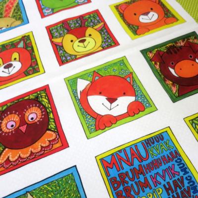 Bavlnený panel UŠI SI SÁM - Textilná knižočka leporelo (na výber - Zvieratká z lesa, z dvora, z exotiky)