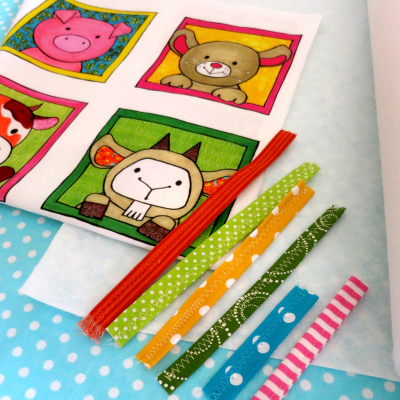 Kreatívna sada UŠI SI SÁM - Textilná knižočka leporelo (na výber - Zvieratká z lesa, z dvora, z exotiky)