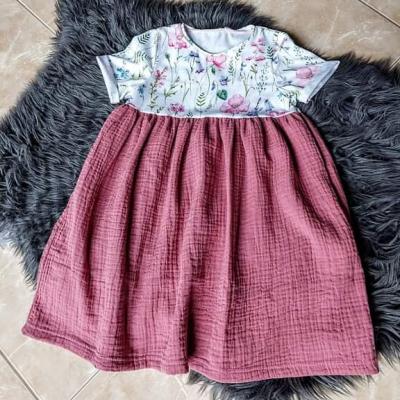Dievčenské šaty flowers