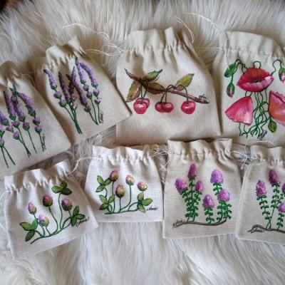 Ručne maľované a šité vrecúška