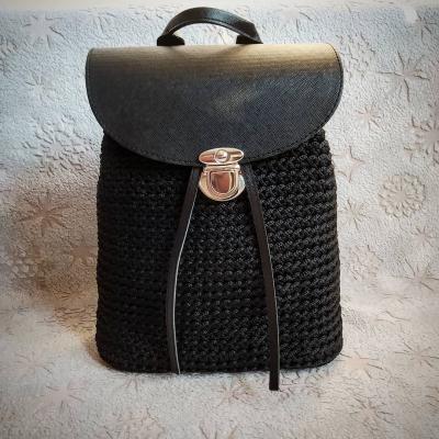 Háčkovaný ruksak  Black Flowers 🎒🖤