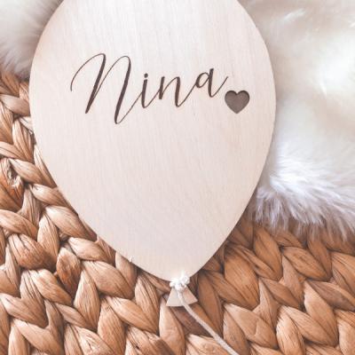 Drevený balónik s menom