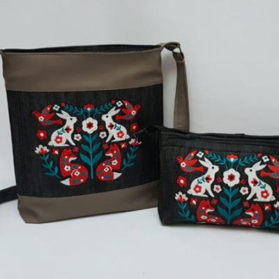 Set crossbody kabelka a kozmetická taštička