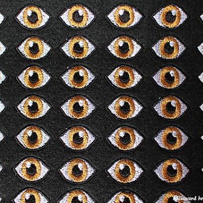 Vyšívané očká 2,5cm