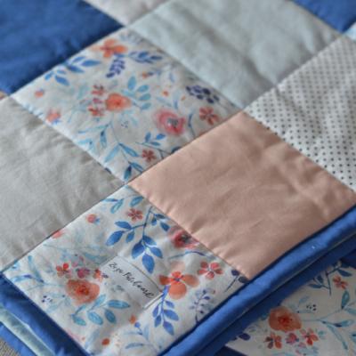 Patchwork hracia deka, Pivonky, 100x100cm
