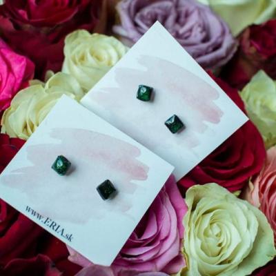 3D tlač, náušnice - malé štvorčeky zelené dúhové