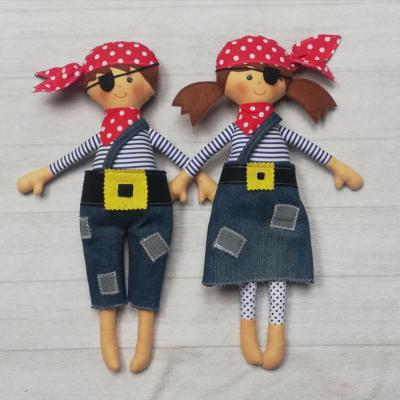 Bábiky námorníci