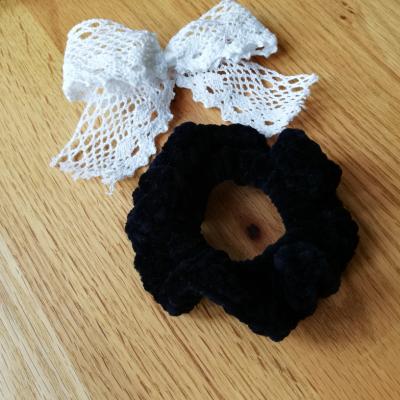 Háčkovaná gumička scrunchie