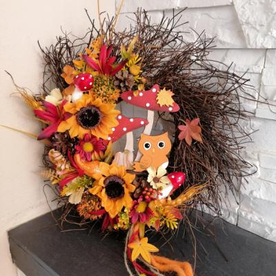 Jesenný strapaty veniec so sovičkou 30cm