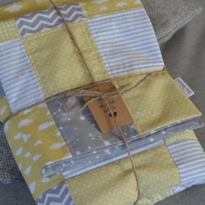 Patchwork darčekový set pre bábätko, prehoz a vankúšik do postieľky